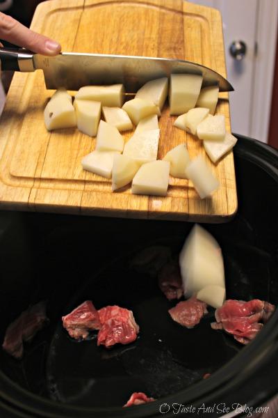 Crock Pot Beef Stew #knifeskills ad
