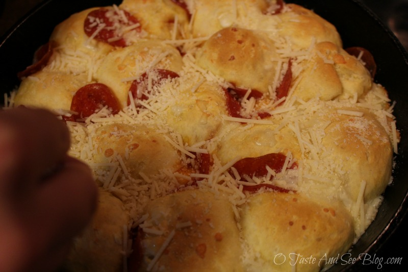 Biscaroni Pepperoni Pizza Bombs