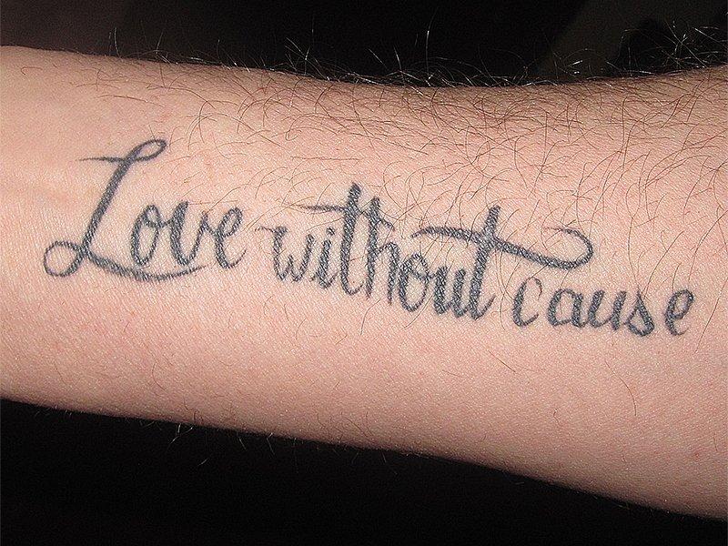 Надпись на руке