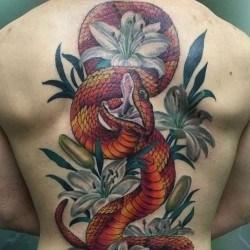 Змея в лилиях