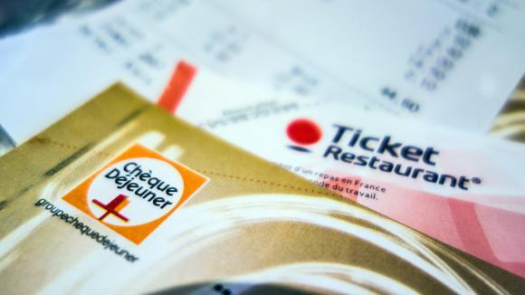 Covid-19 : finalement, les salariés en télétravail ont bien droit aux tickets restaurant