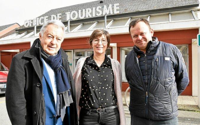 André Fidelin, Véronique Jeannès et Jean-Marc Tanguy, le président, la directrice et le vice-président de l'office de tourisme De Concarneau à Pont-Aven.