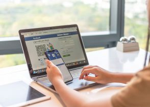 facebook laptop 294x210 1