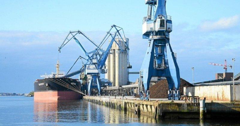 le port de commerce de lorient un des plus importants