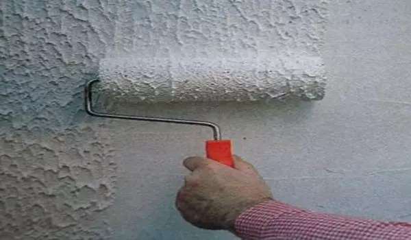 Decorative roller for walls  Features of the application and