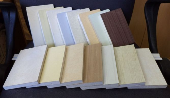 гипсовиниловые панели в ассортименте разных цветов