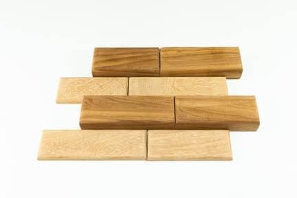 прямоугольная деревянная плитка разной толщины