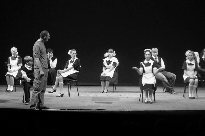 «Я (не) уеду из Кирова», режиссер Борис Павлович, Театр на Спасской, Киров, 2011