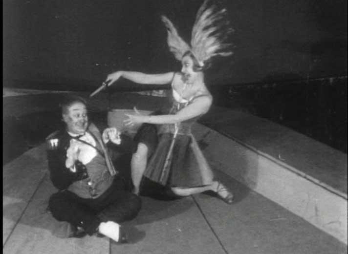 Сцена из спектакля «День и ночь»