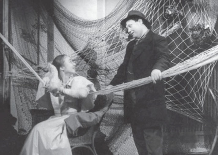Галина Тюнина и Юрий Степанов в «Волках и овцах», 1992. Фото: Михаил Гутерман