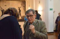 Алексей Батошевич на открытии выставки в фойе Театра на Таганке. Фотография: Юлия Люстарнова