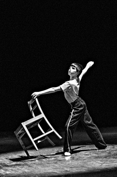 Митчел Тобин, 13-летний исполнитель главной роли в бродвейской версии мюзикла «Билли Эллиот», во время турне по Северной Америке. В 2013 году сыграл ту же роль в Вест-Энде и стал восьмым американцем, выступившим в заглавной партии в оригинальной лондонской постановке «Билли Эллиота»