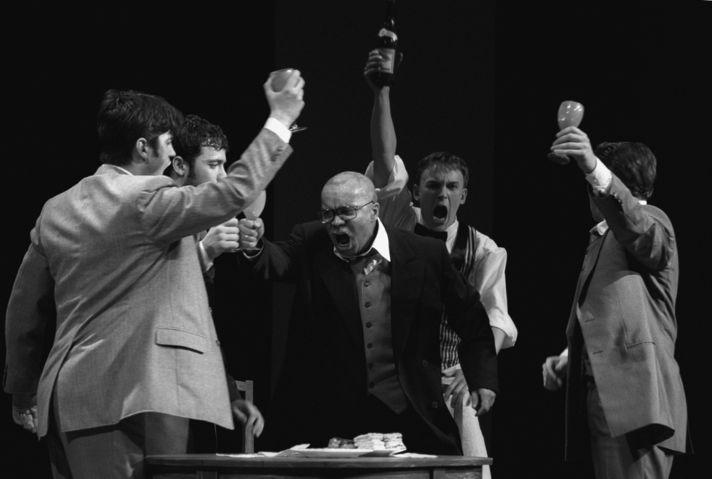 «Доходное место», режиссер Константин Райкин, «Сатирикон», 2009