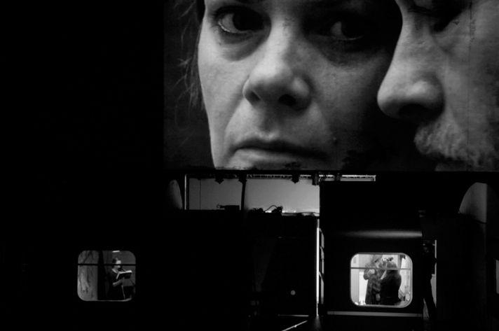 «Путешествие через ночь» по мотивам новеллы Фридерики Майрёкер, режиссер Кэти Митчелл, Schauspiel Köln, 2012