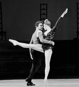 Майя Плисецкая (Кармен) и Николай Фадеечев (Хосе) в балете Альберто Алонсо «Кармен-сюита», Большой театр, 1967