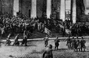 «К мировой коммуне», эпизод «Атака», режиссер Николай Евреинов, художник Юрий Анненков, Петроград, 1920