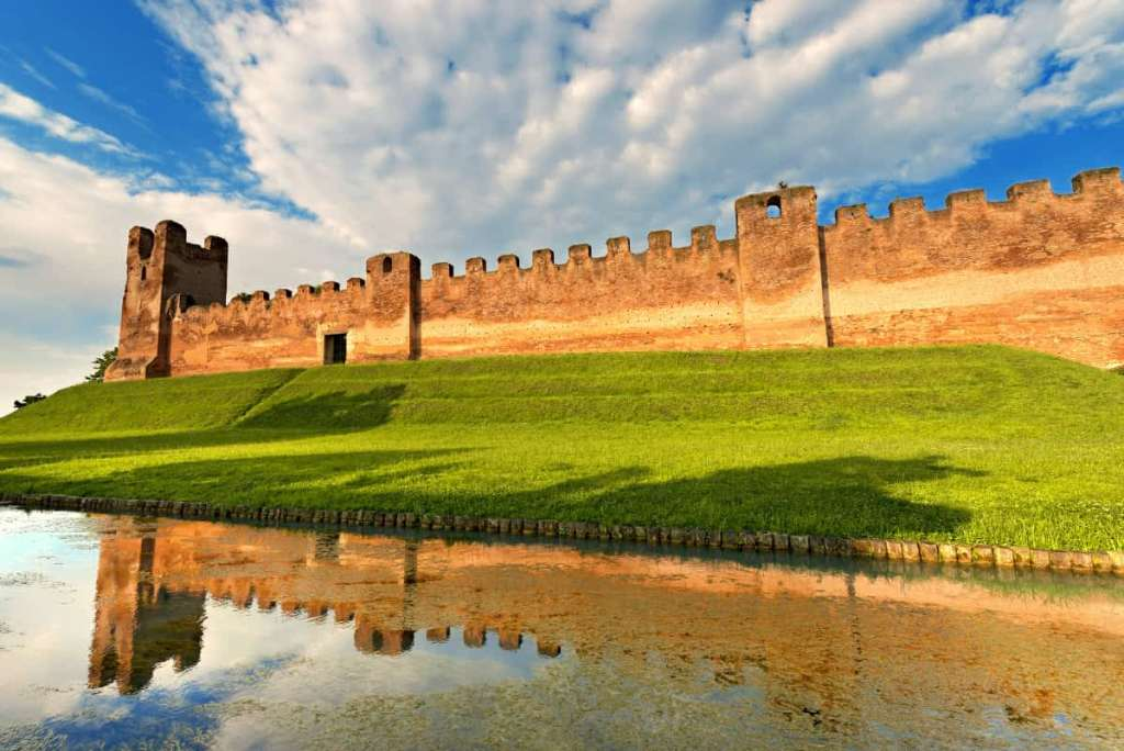 Off-the-Beaten-Path Day Trips From Venice: Castelfranco Veneto