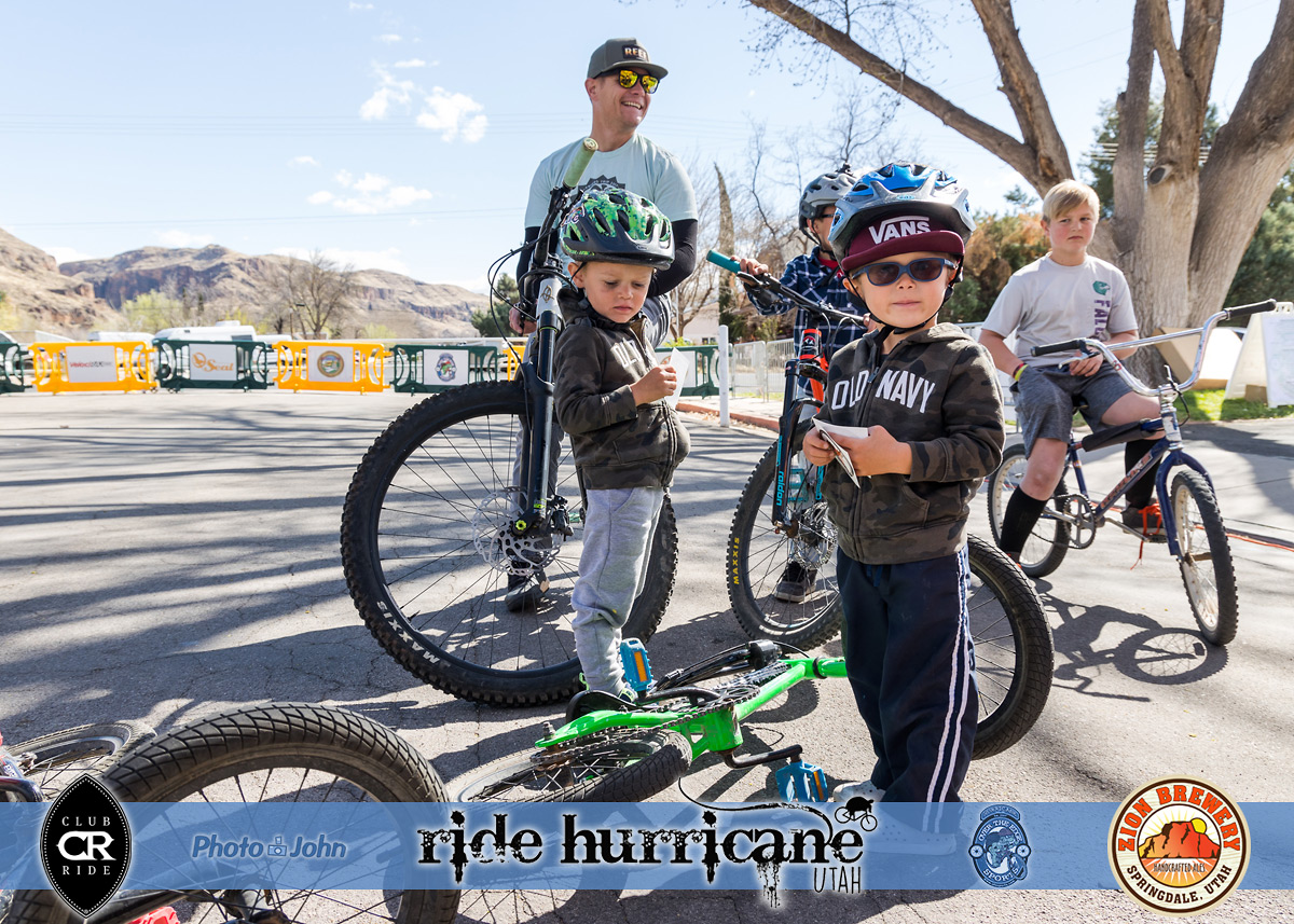 Kids and dad with mountain bikes