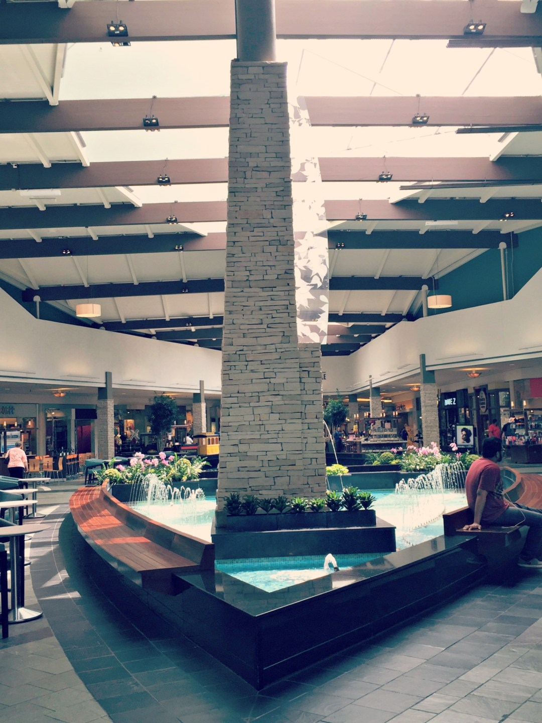 Spring Hill Mall West Dundee Atrium