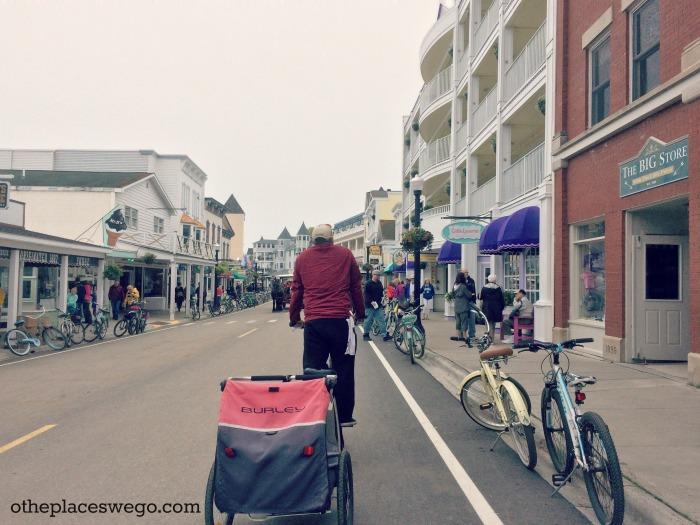 Biking Mackinac Island - Downtown