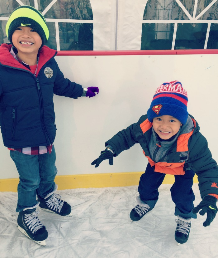 Family holiday fun at Oakbrook Center - Santa, ice skating, and good food!