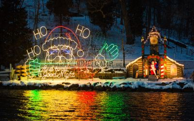 Holiday Fun: Santa Cruise in Lake Geneva