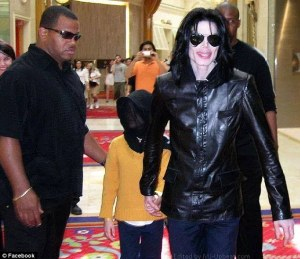 Bodyguard_Michael_and_kid