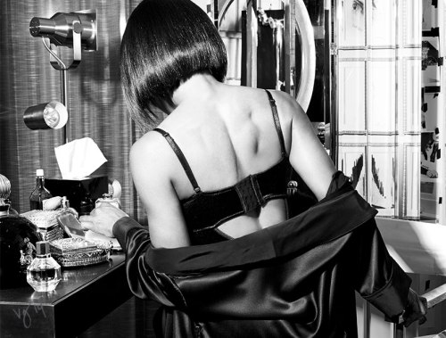 angela-bassett-VIOLET GERY BLACK AND WHITE _OTHER SIDE OF THE FAME feature-3