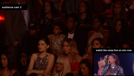 JAY Z AND BLU WATCH MOMMY PERFORM