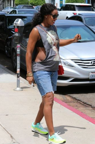 Kelly Rowland Pregnant OTHER SIDE OF THE FAME 2