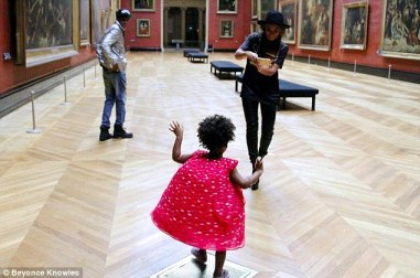 1413128035764_wps_55_Beyonc_Knowles_and_Jay_Z_