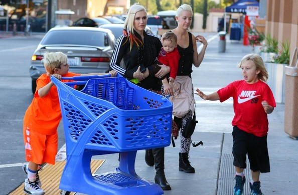 Gwen Stefani with her boys5