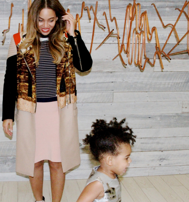 blogssssssssss_blue-ivy-photobombs-beyonces-shoot2