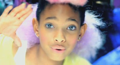 Whip-My-Hair-Music-Video-willow-smith-21411226-1430-780