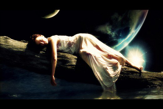 Lunar magick for beginners: how the womb aligns with the moon's cycles.