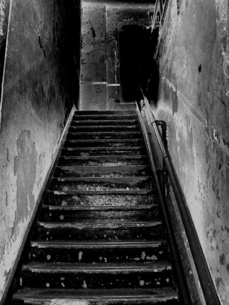 A ghost came up from the basement to the kitchen in Summerwind Mansion on numerous occasions.