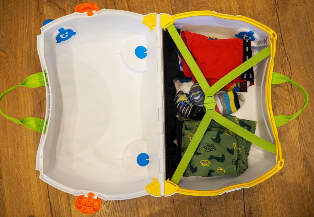Trunki review and animal Trunki pull along suitcase GIVEAWAY!