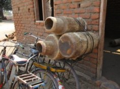 Transporting-their-drums-300x224