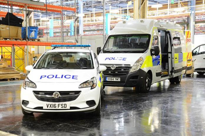 İngiltere'de polis otolarında yerli Vauxall tercih ediyor.