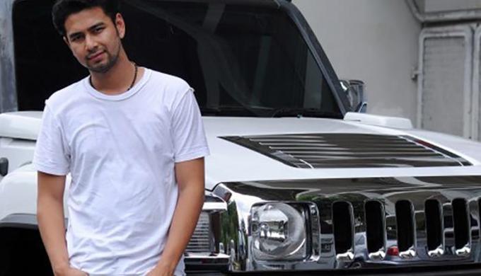 Mobil Hummer H3 Warna Putih Milik Raffi Ahmad