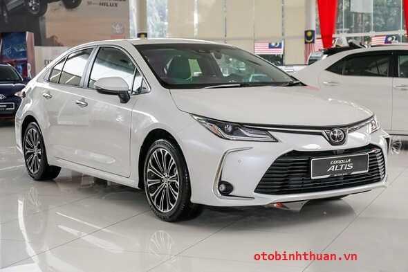 Gia xe Altis lan banh Toyota Kon Tum otobinhthuan vn