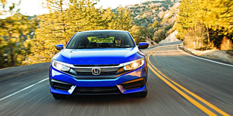 "FIRST TEST | Honda Civic Coupe LX 2016:  ""Young and Hungry"""