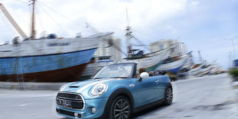 "FIRST DRIVE | MINI Cooper S Cabrio: ""The Bluish"""