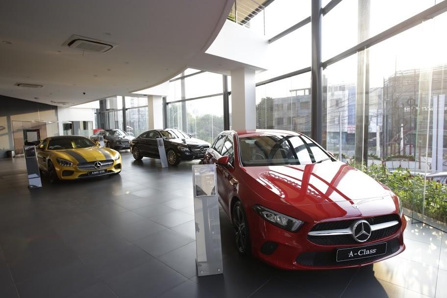 Mercedes-Benz Indonesia Resmikan Dua Dealer Sekaligus