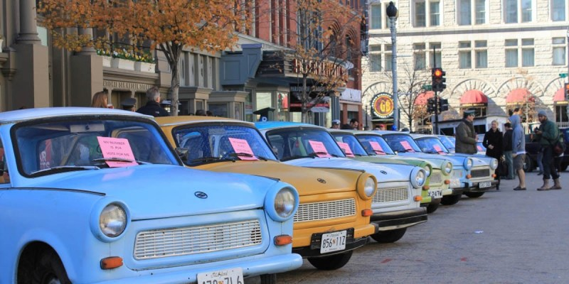 'Parade of Trabants', Mengenang Sejarah Mobil Trabant