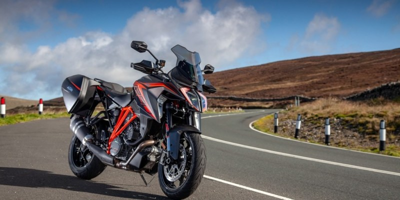 KTM 1290 Super Duke GT, Melesat di Lintasan Isle of Man
