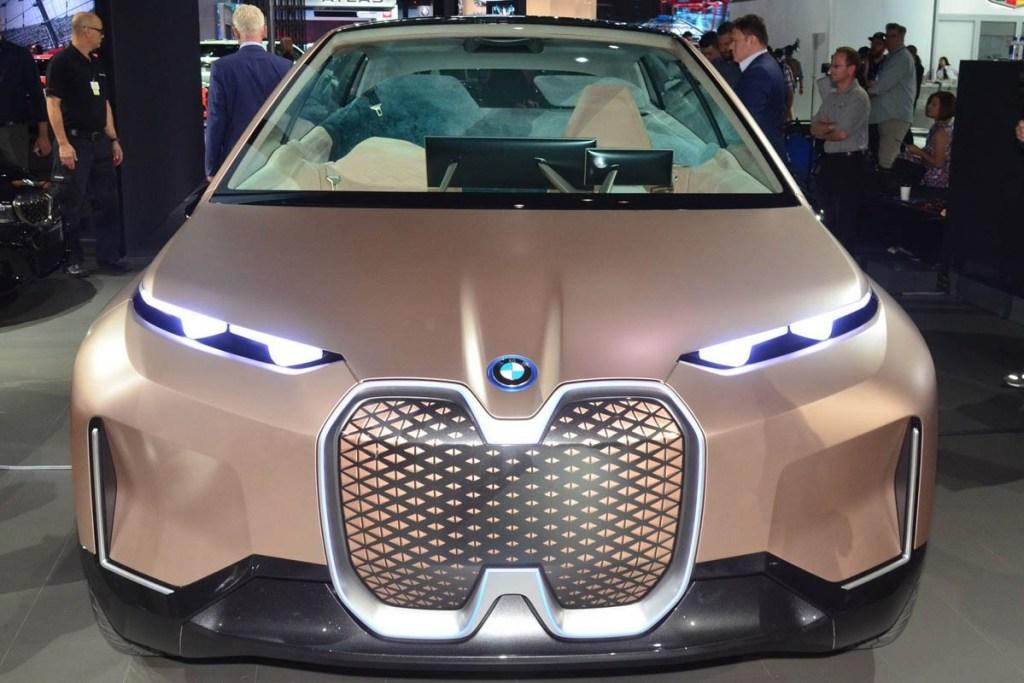 BMW Vision iNext 'Mejeng' di LA Auto Show 2018