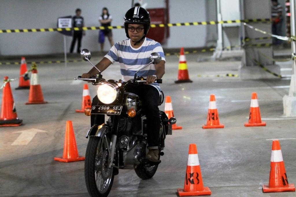 Antusiasme Pengunjung Ikuti 'Test Ride' di IMOS 2018