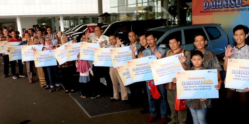 Daihatsu Kembali Serahkan 20 Mobil Rekondisi Pelanggan