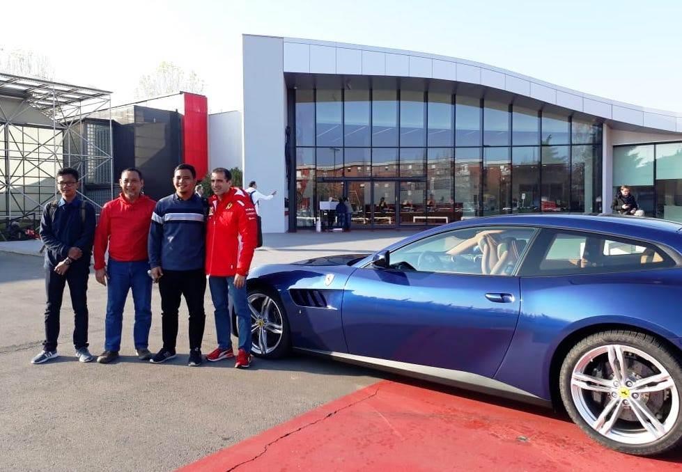 Mahasiswa ITS Sambangi Markas Scuderia Ferrari di Italia